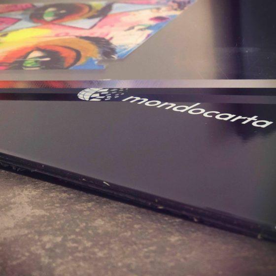 Stampa su Plexiglass - stampa UV - Stampa su supporti rigidi - stampa UV - Raggi ultravioletti - asciugatura rapida - Printjet 60/90- mondocarta - supporti per la stampa - inchiostri UV - mondocarta